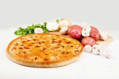 Пирог с картофелем и грибами 1300г.