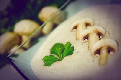Суп Сливочный из шампиньонов с картофелем и с гренками