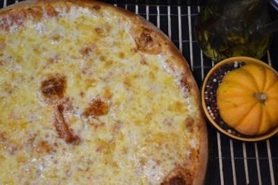Пицца Сырная (тонкое  тесто)