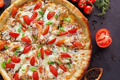 Пицца Том-Ям с креветкой и вяленым томатом  (пышное тесто)